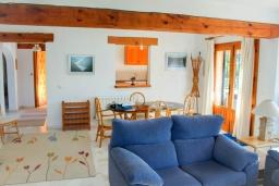 Гостиная / Столовая. Испания, Бенитачель : Замечательная вилла с красивым садом во дворе, панорамным видом, частный бассейн, 4 спальни, 4 ванные комнаты, WIFI