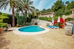 Бассейн. Испания, Мораира : Привлекательная вилла в арабском стиле расположенная в тихом жилом районе на склоне холма, 2 спальни, 2 ванные комнаты, частный бассейн, WIFI