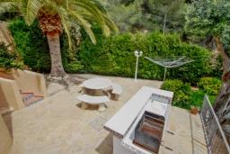 Летняя кухня. Испания, Мораира : Привлекательная вилла в арабском стиле расположенная в тихом жилом районе на склоне холма, 2 спальни, 2 ванные комнаты, частный бассейн, WIFI