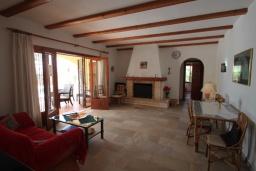 Гостиная / Столовая. Испания, Бенисса : Изысканный дом для отдыха в спокойном районе центра города, 2 спальни, ванная комната, частный бассейн, парковка на 2 авто