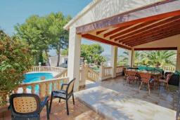Терраса. Испания, Мораира : Современная, хорошо меблированная вилла в нескольких минутах ходьбы пляжей, 4 спальни, 2 ванные комнаты, частный бассейн,WI-FI, парковка