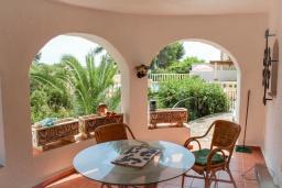 Терраса. Испания, Бенисса : Красивая вилла в традиционном испанском стиле, 2 спальни, 2 ванные комнаты, частный бассейн, парковка