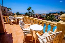 Терраса. Испания, Мораира : Шикарная двухэтажная вилла с видом на море и частным бассейном, 4 спальни, 3 ванные комнаты, WIFI, кондиционеры
