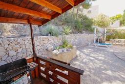 Летняя кухня. Испания, Бенитачель : Двухэтажная вилла с частным бассейном расположенная между Морайрой и Хавеей, 3 спальни, 3 ванные комнаты, WIFI