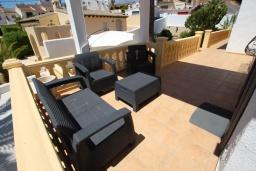 Терраса. Испания, Мораира : Стильная вилла расположенная в тихом жилом районе на живописном склоне холма, частный бассейн, 2 спальни, 2 ванные комнаты, кондиционеры