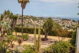 Вид. Испания, Теулада : Усадьба расположенная на вершине холма с панорамным видом на море и частным бассейном, 5 спален, 3 ванные комнаты, кондиционер, WIFI