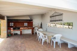 Летняя кухня. Испания, Теулада : Усадьба расположенная на вершине холма с панорамным видом на море и частным бассейном, 5 спален, 3 ванные комнаты, кондиционер, WIFI