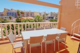 Терраса. Испания, Кальпе : Хорошая удобная вилла с отличным расположением, 4 спальни, 2 ванные комнаты, частный бассейн, WIFI