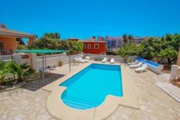 Бассейн. Испания, Кальпе : Хорошая удобная вилла с отличным расположением, 4 спальни, 2 ванные комнаты, частный бассейн, WIFI