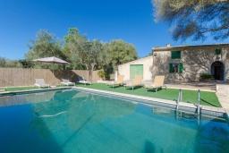 Вид на виллу/дом снаружи. Испания, Кан-Пикафорт : Аккуратная вилла с частным бассейном, между Синеу и Мария-де-ла-Салют