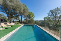Бассейн. Испания, Кан-Пикафорт : Аккуратная вилла с частным бассейном, между Синеу и Мария-де-ла-Салют