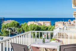 Балкон. Испания, Кан-Пикафорт : Очаровательный смежный дом для отпуска в городе Сон-серра-де-Марина, на севере Майорки