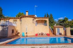 Бассейн. Испания, Мораира : Вилла в традиционном испанском стиле недалеко от пляжа, частный бассейн, 3 спальни, 1 ванная комната, WIFI