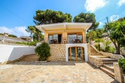 Фасад дома. Испания, Эль-Портет : Ухоженная вилла в тихом месте, частный бассейн, 3 спальни, ванная комната