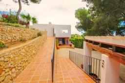 Вход. Испания, Бенисса : Эксклюзивная вилла расположенная в прекрасном месте с видом на море и горы, частный бассейн, 2 спальни, 2 ванные комнаты, 2 гостиные