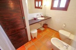 Ванная комната. Испания, Бенисса : Эксклюзивная вилла расположенная в прекрасном месте с видом на море и горы, частный бассейн, 2 спальни, 2 ванные комнаты, 2 гостиные