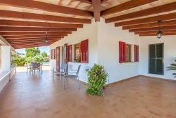 Терраса. Испания, Польенса : Вилла дом для отпуска с кондиционером, рассчитан на проживание до 4 человек с 2 спальнями, 1 ванной комнатой и собственным бассейном.