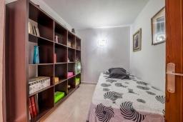 Спальня 3. Испания, Польенса : Уютная вилла с террасой и кондиционерами, 3 спальни, 2 ванных комнаты, WiFi, барбекю