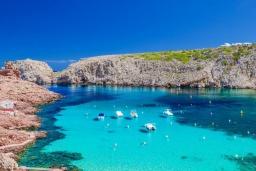 Ближайший пляж. Испания,  : Современная вилла для отдыха, вмещает до 6 человек, с 3 спальнями, 2 ванными комнатами и частным бассейном.