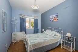 Спальня. Испания,  : Современная вилла для отдыха, вмещает до 6 человек, с 3 спальнями, 2 ванными комнатами и частным бассейном.