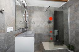 Ванная комната. Испания,  : Современная вилла для отдыха, вмещает до 6 человек, с 3 спальнями, 2 ванными комнатами и частным бассейном.