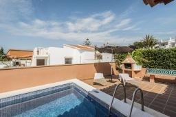 Бассейн. Испания,  : Современная вилла для отдыха, вмещает до 6 человек, с 3 спальнями, 2 ванными комнатами и частным бассейном.