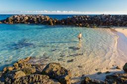 Близлежащие пляжи. Испания, Лансароте : Современные апартаменты для отдыха, расположены испанском острове Лансароте, можно разместиться до 5 человек, с 2 спальнями, 2 ванными комнатами, WiFi интернет