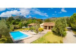Вид на виллу/дом снаружи. Испания, Польенса : Очаровательная вилла на испанском острове Майорка, с частным бассейном и видом на горы, 3 спальни, 2 ванные комнаты, Wi-Fi