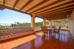 Терраса. Испания, Нерха : Красивая вилла с видом на море и побережье Нерхи, с 3 спальнями, 2 ванными комнатами, частным бассейном