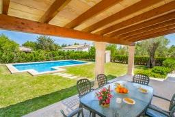 Терраса. Испания, Польенса : Традиционная испанская вилла окружённая зеленой растительностью, с 3 спальнями, 2 ванными комнатами и собственным бассейном
