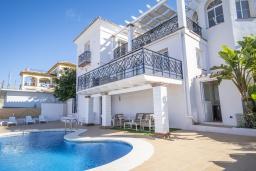 Фасад дома. Испания, Коин : Прекрасная вилла для 7 человек, с 3-я спальнями и большим бассейном
