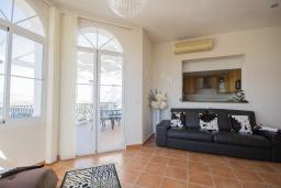 Гостиная / Столовая. Испания, Коин : Прекрасная вилла для 7 человек, с 3-я спальнями и большим бассейном