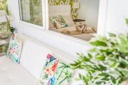 Студия (гостиная+кухня). Испания, Лансароте : Апартаменты для отдыха на испанском острове Лансароте, с шикарным видом на море, первая линия, 1 спальня, 1 ванная комната