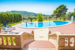 Вид. Испания, С Орта : Потрясающая вилла с частным бассейном, детскими играми, теннисным кортом, с 5 спальнями, 4 ванными комнатами и собственным бассейном.