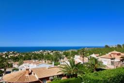 Вид. Испания, Аликанте : Уютная вилла бассейном, садом и шикарным видом на море и горы! Гостиная с кондиционером, спальня, ванная комната, парковка, wi-fi.