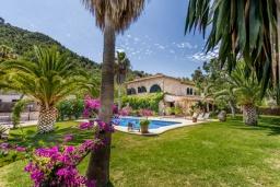 Вид на виллу/дом снаружи. Испания, Польенса : Просторная вилла окружённая красивым садом с видом на горы, 4 спальнями, 3 ванными комнатами и собственным бассейном