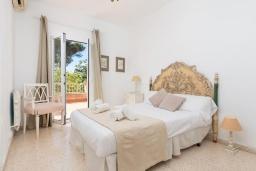Спальня 2. Испания, Кала-Блава : Уютное семейное шале с садом на берегу моря