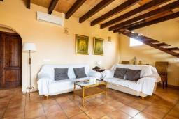 Гостиная / Столовая. Испания, Алькудия : Уединенная вилла с красивым садом, частным бассейном, 2 спальнями, 1 ванной комнатой, бесплатный, Wi-Fi