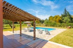 Беседка. Испания, Польенса : Уединенная вилла с красивыми видами на горы  и сады,  с 3 спальнями, 2 ванными комнатами и собственным бассейном.