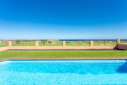Бассейн. Испания, Фуэртевентура : Вилла для отдыха с невероятными видами на море и поле для гольфа, с 3 спальнями, 3 ванными комнатами, а также отдельным бассейном с подогревом