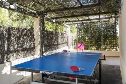 Развлечения и отдых на вилле. Испания, Польенса : Просторный семейный загородный дом неподалеку от гор Трамунтана и самых красивых пляжей Майорки с бассейном, террасой, барбекю и собственной парковкой, 3 спальни, 2 ванные комнаты, Wi-Fi
