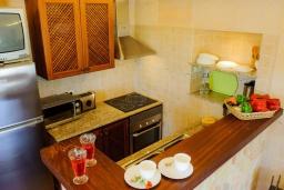 Кухня. Испания, Феланикс : Атмосферная вилла для отдыха на Майорке, с 3 спальнями, 3 ванными комнатами и собственным бассейном.