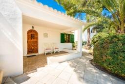 Вход. Испания, Кала-д'Ор : Красивая вилла с садом и частным бассейном, и вместимостью до 10 человек с 5 спальнями, 3 ванными комнатами