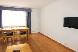 Гостиная / Столовая. Испания, Лансароте : Небольшая уютная вилла для отпуска  на испанском острове Лансароте, с 2 спальнями, 2 ванными комнатами