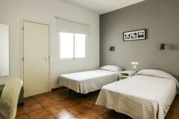 Спальня 2. Испания, Лансароте : Небольшая уютная вилла для отпуска  на испанском острове Лансароте, с 2 спальнями, 2 ванными комнатами
