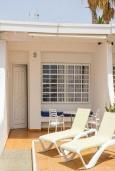 Вход. Испания, Лансароте : Уютная вилла в двух шагах от моря, с 2 спальнями, 2 ванными комнатами, кондиционеры, Wi-Fi