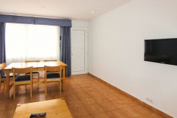 Гостиная / Столовая. Испания, Лансароте : Уютная вилла в двух шагах от моря, с 2 спальнями, 2 ванными комнатами, кондиционеры, Wi-Fi