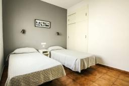 Спальня 2. Испания, Лансароте : Уютная вилла в двух шагах от моря, с 2 спальнями, 2 ванными комнатами, кондиционеры, Wi-Fi