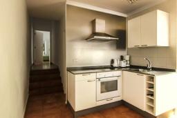 Кухня. Испания, Лансароте : Вилла с видом на море, с 2 спальнями, 2 ванными комнатами, кондиционерами, WiFi