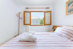 Спальня. Испания, Кан-Пикафорт : Просторное шале для 8 человек недалеко от пляжа